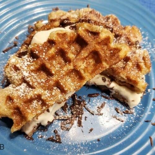 Just about EVERYONE loves a delicious S'mores, right?! This Keto S'mores Chaffle Recipe is going to make your head spin, in so many great ways!