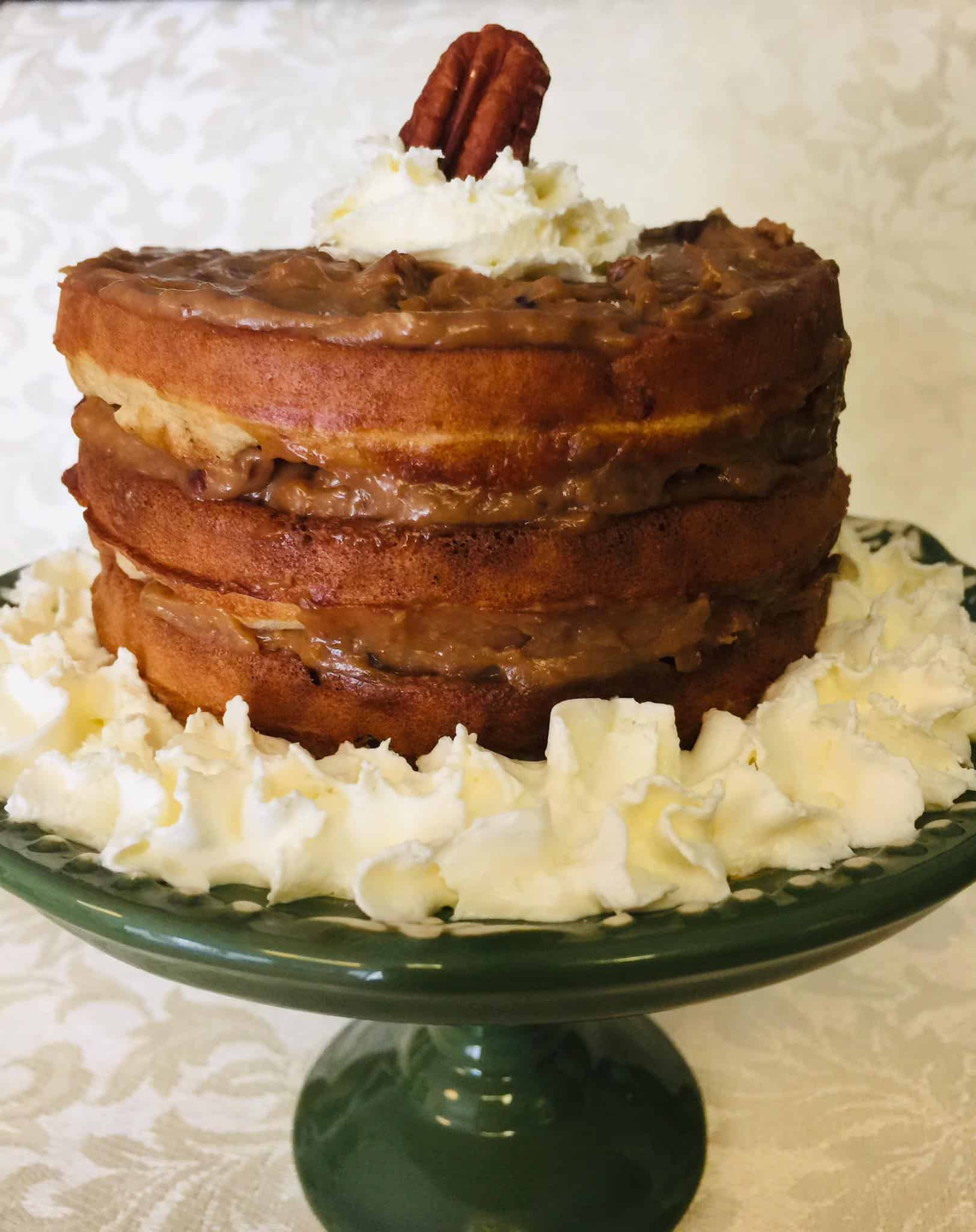 It's fall time, which means pecan season is here!! If you are from the south or simply love pecan pie...you are goign to love this Pecan Pie Chaffle Cake!
