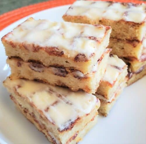 Looking for something new as a quick and tasty treat? This Rice Krispie Treat Chaffle Copycat Recipe is going to blow you away!