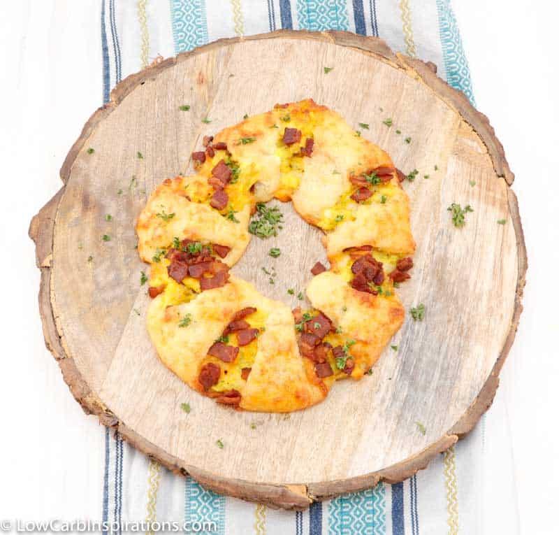 Keto Bacon, Egg and Cheese Breakfast Wreath Recipe