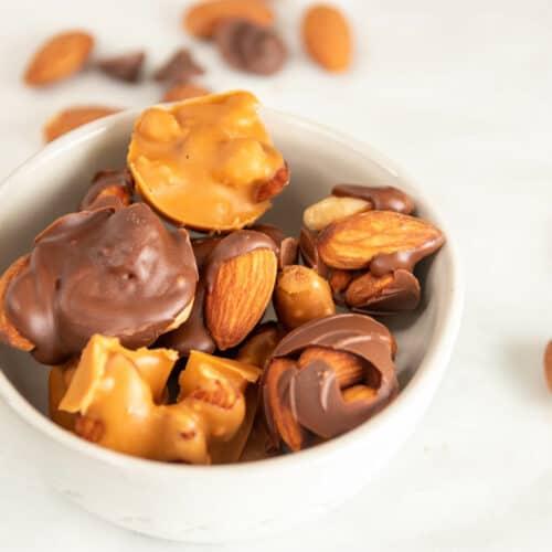 Keto 3 ingredient Chocolate Nut Clusters